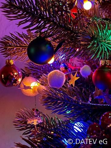 Auch bei Online-Weihnachtsfeier Steuerregeln beachten
